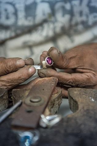 Biżuterię kochamy coraz bardziej ...