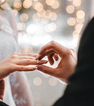 Tysiące lat symbolu miłości, czyli historia obrączek
